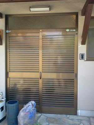 玄関リフォームのビフォー写真
