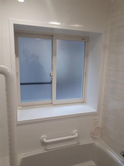 浴室窓取替え
