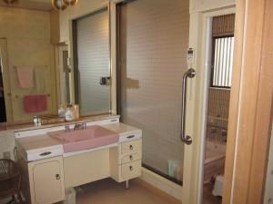 洗面所リフォームのビフォー写真